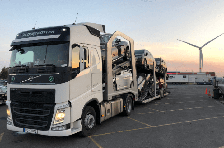 //furmanczyktransport.pl/wp-content/uploads/2018/12/720x455-owl-slider2a.png